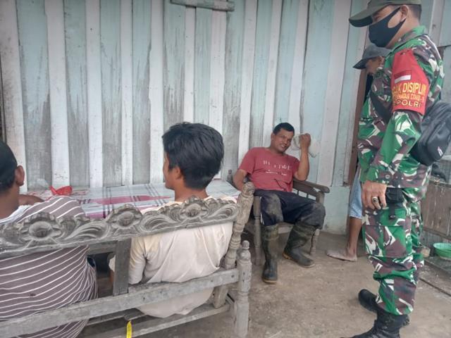 Komunikasi Sosial Personel Jajaran Kodim 0207/Simalungun ajak Warga Desa Binaan Untuk Patuhi Protokol Kesehatan