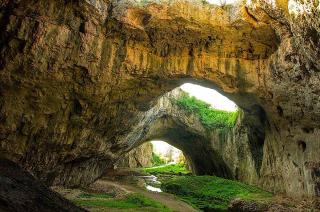 Caverna Devetashka - Bulgária