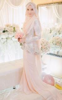 Model pengantin syari dengan pashmina