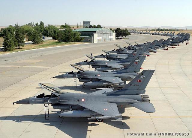 Νέους πιλότους μαχητικών αεροσκαφών ψάχνει η Τουρκία