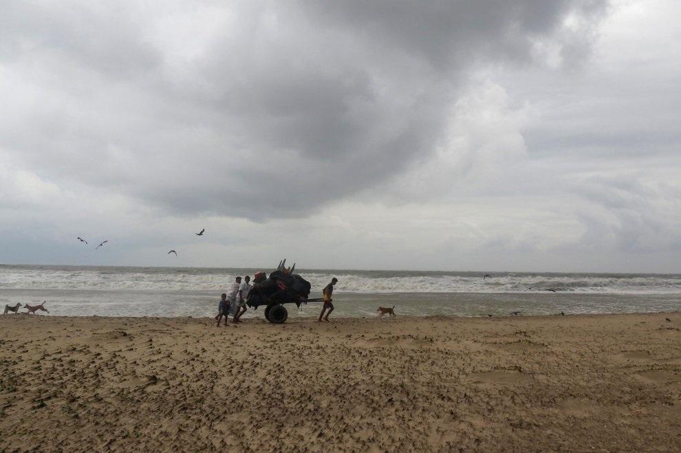 Bangladesh en alerta máxima por ciclón 'Mora'