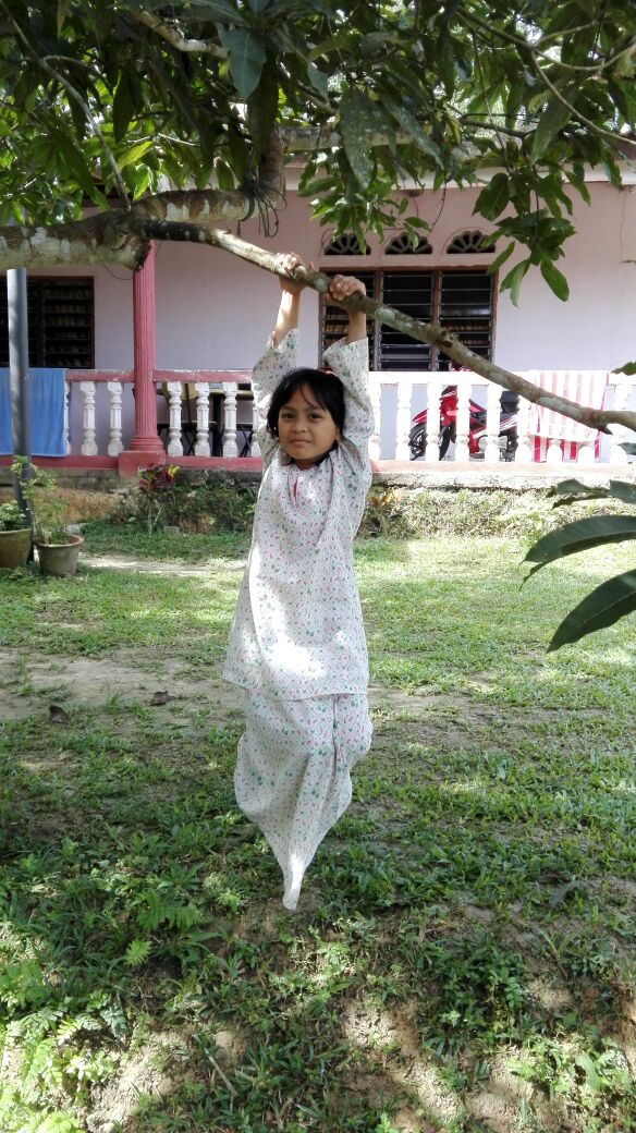 Sebulan cuti sekolah anak-anak di kampung