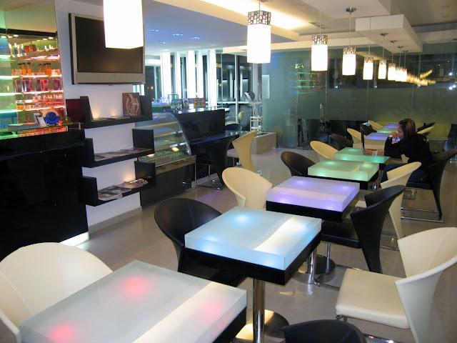 Desain Interior Kafe Yang Menarik