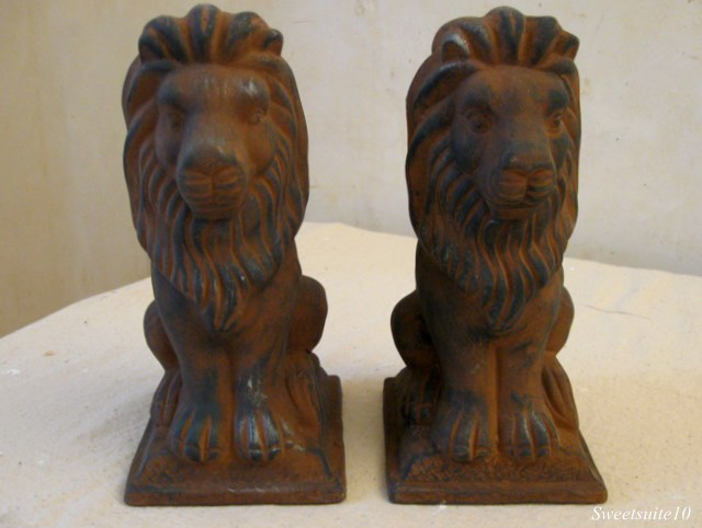 Pair of Lion garden statues