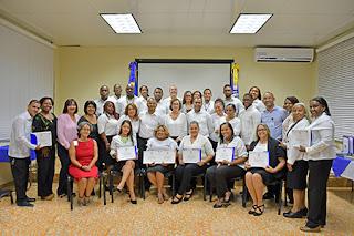 Docentes de Loyola finalizan diplomados de capacitación