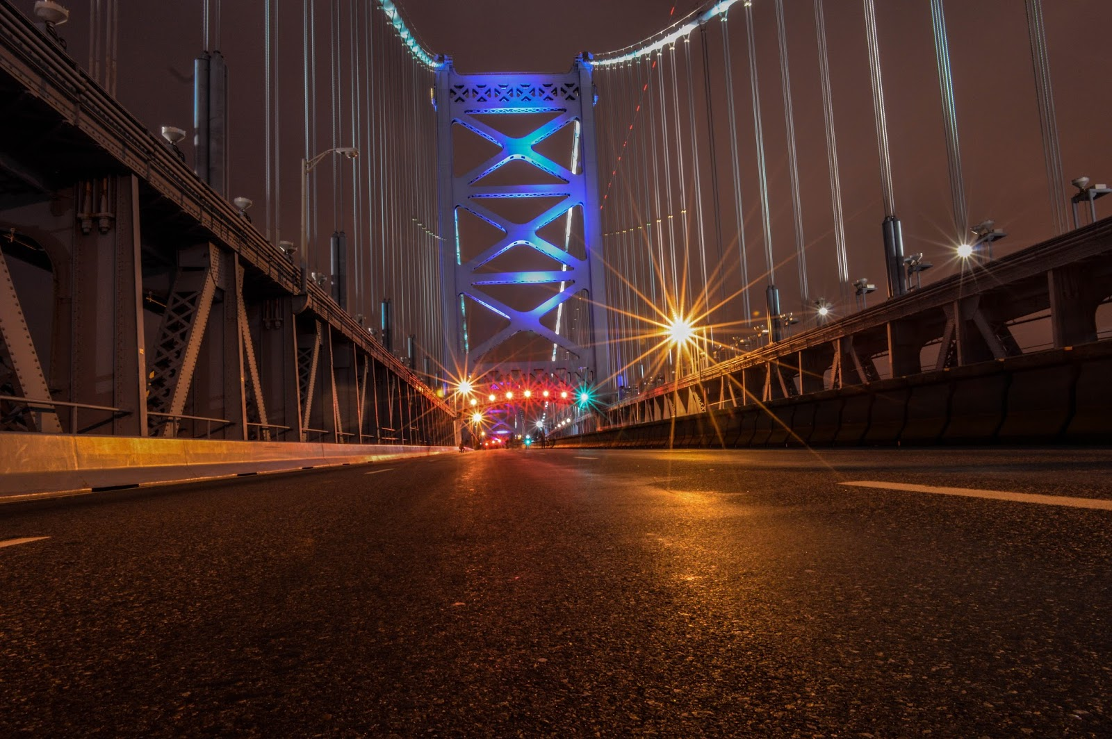 Empty Benjamin Franklin Bridge.
