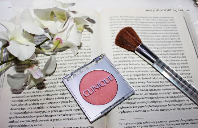 Clinique Blushing Blush pudrowy róż