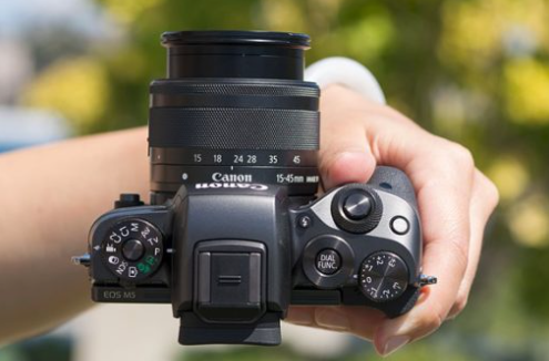 5 Pilihan Kamera Canon Mirrorless Terbaik Untuk Fotografi