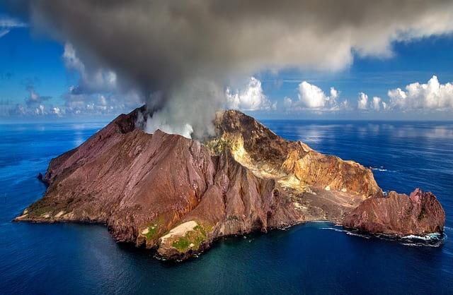 Negara Yang Memiliki Banyak Gunung Berapi