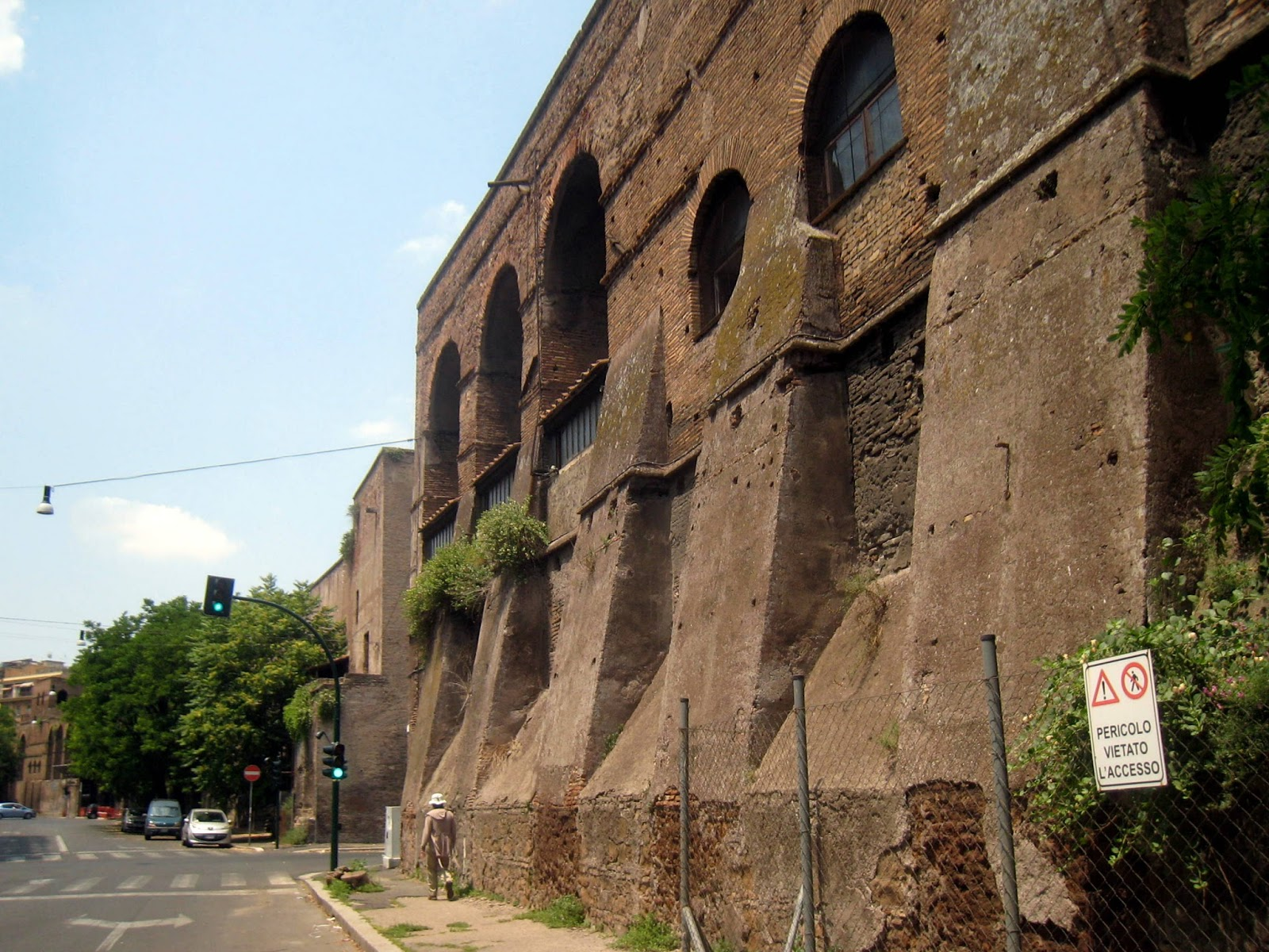 Wall: Rome The Second Time: Aurelian Wall Walk VII: Piazza Fiume
