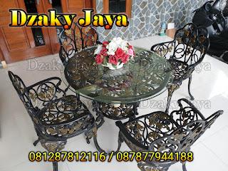Contoh produk kursi taman antik dari bahan ornamen alferon/besi tempa