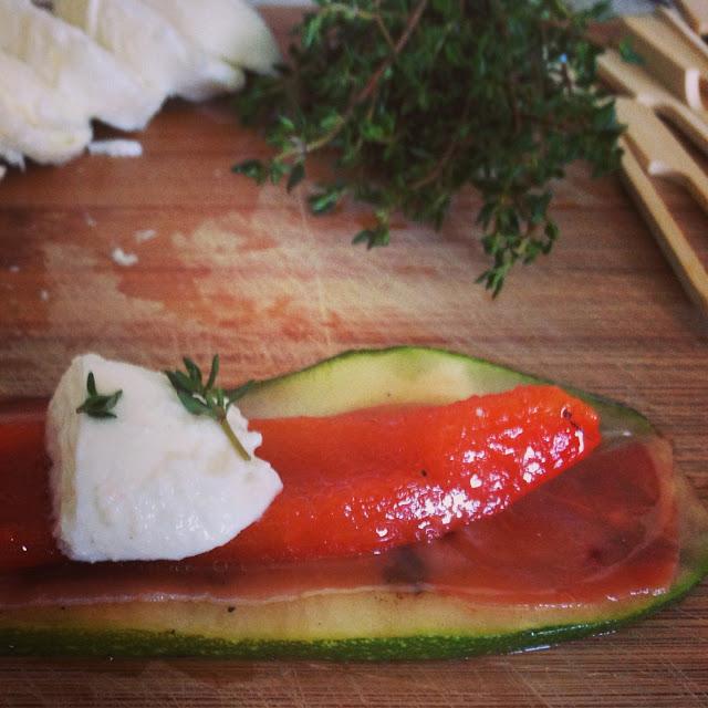 sweet kwisine, courgettes, poivron, mozarella, jambon, antipasti