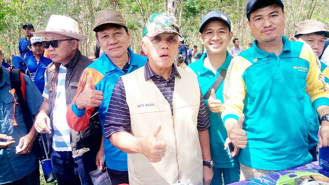 Pulang Kampung, Hatta Rajasa Pergi Memancing Bersama Warga