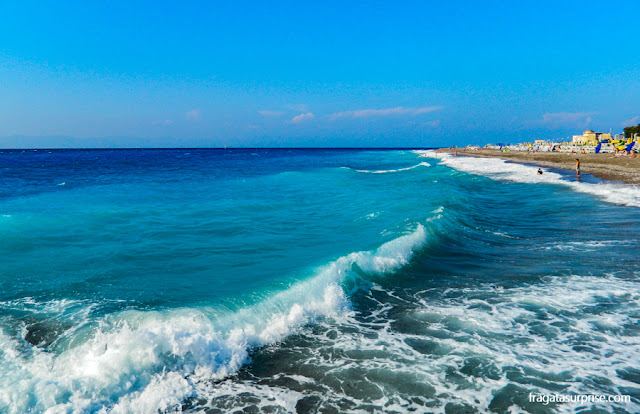 Praia na Ilha de Rodes, Grécia