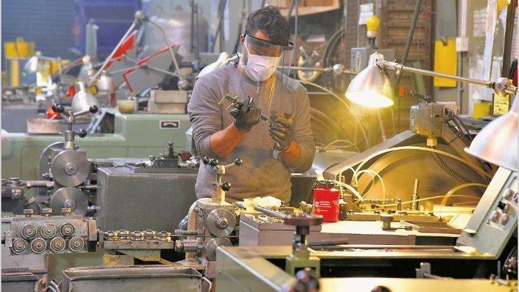 Por la pandemia la actividad económica se desplomó 20,6% interanual en mayo