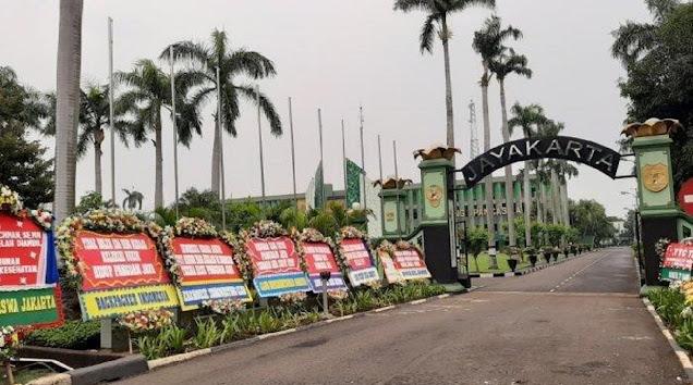 Pria Ini Tantang Pangdam Jaya: Silakan Copot Baliho Habib Rizieq, Besok 'Gua' Pasang Lagi