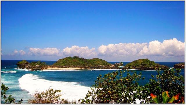 10 Top Destinasi Wisata Blitar;Pantai Peh Pulo