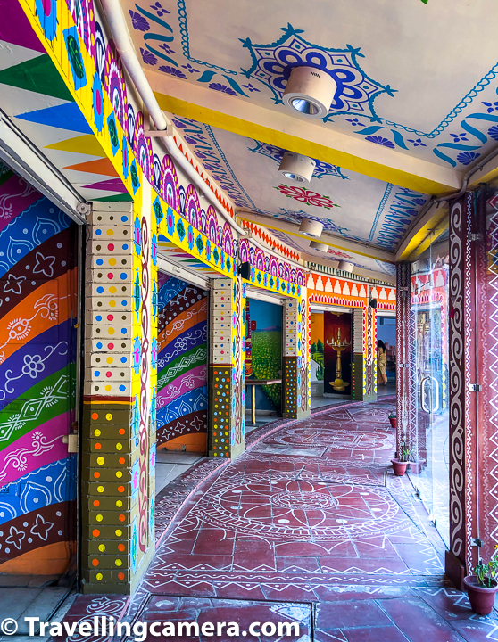 Anyway, we roamed around for about an hour, had food, and headed out. The Haveli wasn't too lively during the day. I suspect it would probably be much more happening at night. Also, as days get warmer, I suspect, evenings will be the only time when you can visit the Chokhi Haveli.