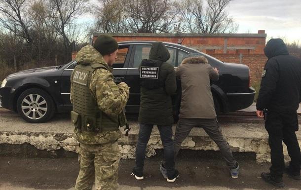 На кордоні зловили німця з трьома кіло марихуани