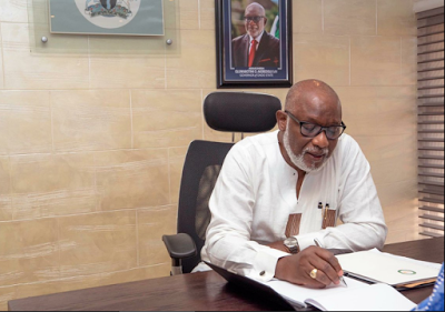 FIRST PHOTOS OF GOV. ROTIMI AKEREDOLU ON HIS FIRST DAY IN OFFICE