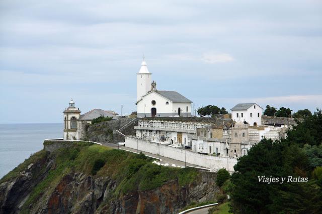 Punta del Focicón: El faro, la Ermita de la Virgen Blanca y el Cementerio