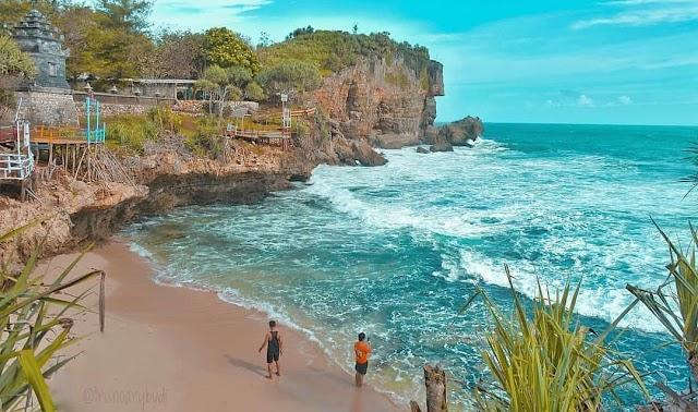 Pesona Pantai Watu Kodok Gunung Kidul, Wisata Pantai Favoit Jogja
