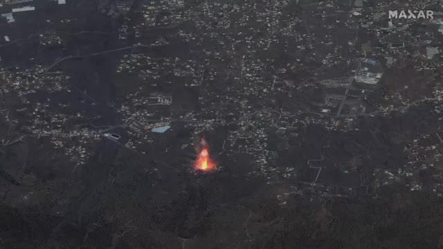 Vulcão Cumbre Vieja visto do espaço pelo satélite da empresa MAXAR Technologies