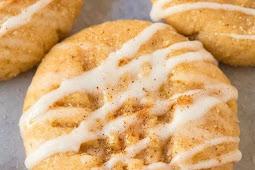 Healthy No Bake Cinnamon Roll Cookies