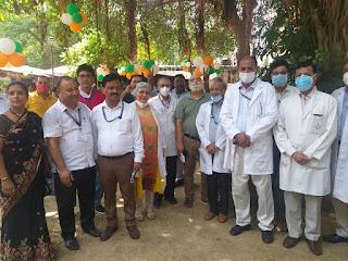 tree-planting-at-lnjp-hospital