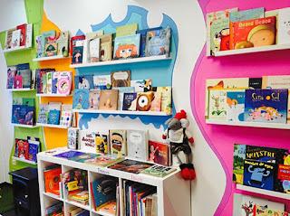 Ejemplo de interior de librería infantil