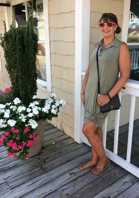 Today I am sharing my beach style, along with some of the fun things to do, in case you ever visit Myrtle Beach!