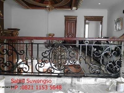 balkon besi tempa untuk rumah klasik