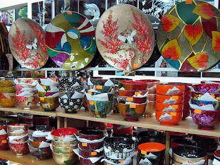 lacquerware-souvenir-vietnam.jpg