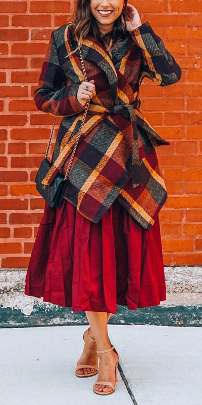 From casual outfits for family reunions to crazy trendy party outfits, we've got your back see these 24 Best Christmas Outfits You Can Shop this Holiday Season. | coat + midi skirt outfits | #christmas #holiday #newyear #coat