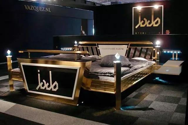 Altın ve Swarovski kristalleriyle kaplı olan Tha Jado Steel Gold Bed, dünyanın en lüks yataklarından biri.