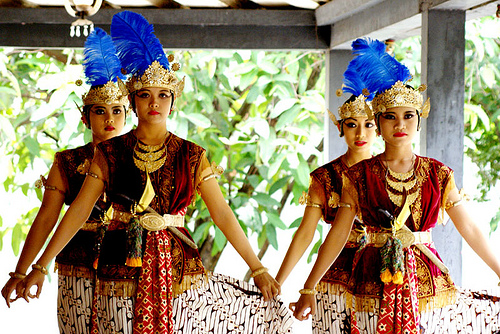 culture of indonesian: traditional dance