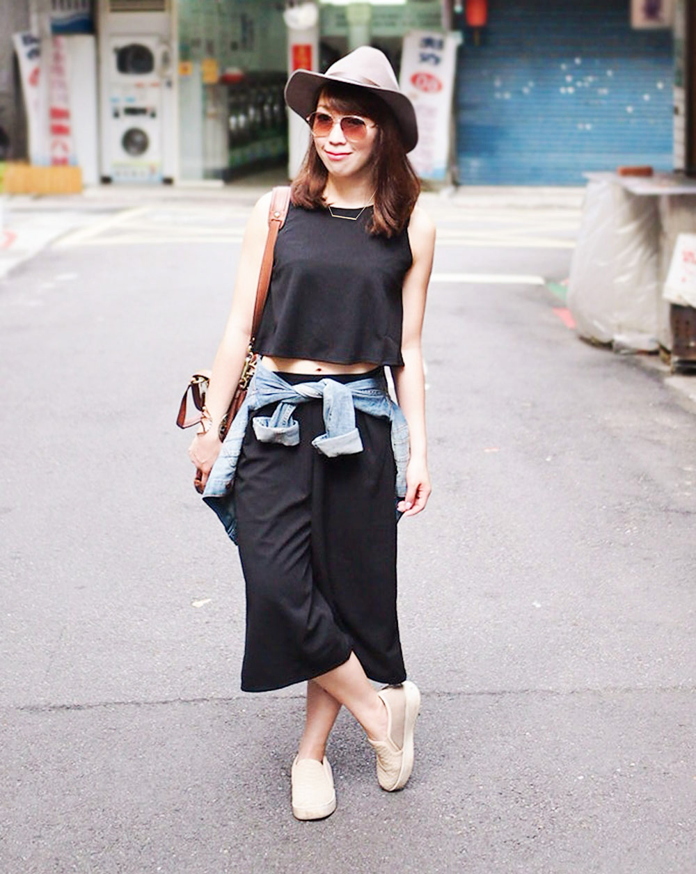 {Outfit Challenge} Day to Night Easy Outfit Transition with cropped wide leg pants
