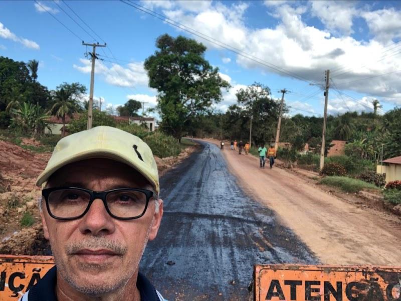 Prefeito Aluisinho segue com trabalhos de preparação para asfaltamento no bairro Jovitão em Esperantinópolis