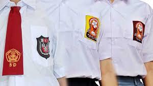 siswa tidak wajib memakai seragam atribut agama tomatalikuang.com