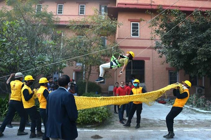 Jaipur Mock Drill News- शासन सचिवालय परिसर में आपदा प्रबंधन एवं अग्निशमन कार्मिकाें द्वारा मॉक ड्रिल