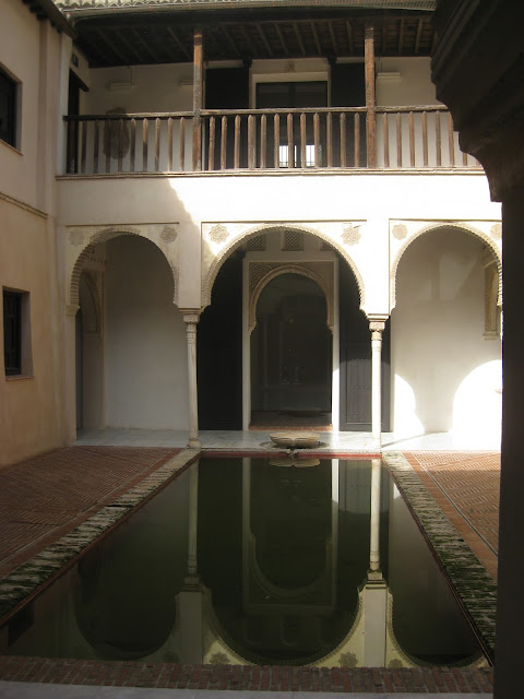 Moorish House in Granada - Stunning Courtyard