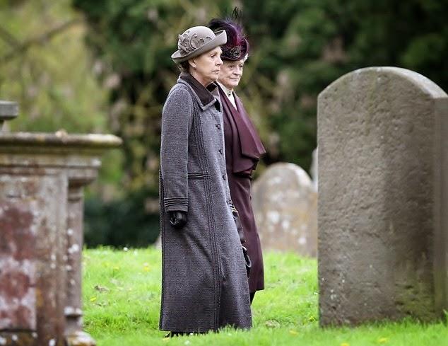 Make Mine Mink!: Downton Abbey photos of Season 5.
