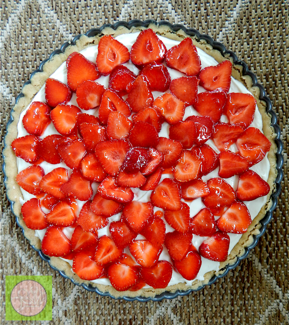 chocolate cheesecake strawberry tart (sweetandsavoryfood.com)