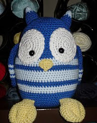 http://www.ravelry.com/patterns/library/large-owl-amigurumi