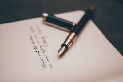 Teks Puisi : Unsur Intrinsik, Unsur Ekstrinsik dan Majas/Gaya Bahasa