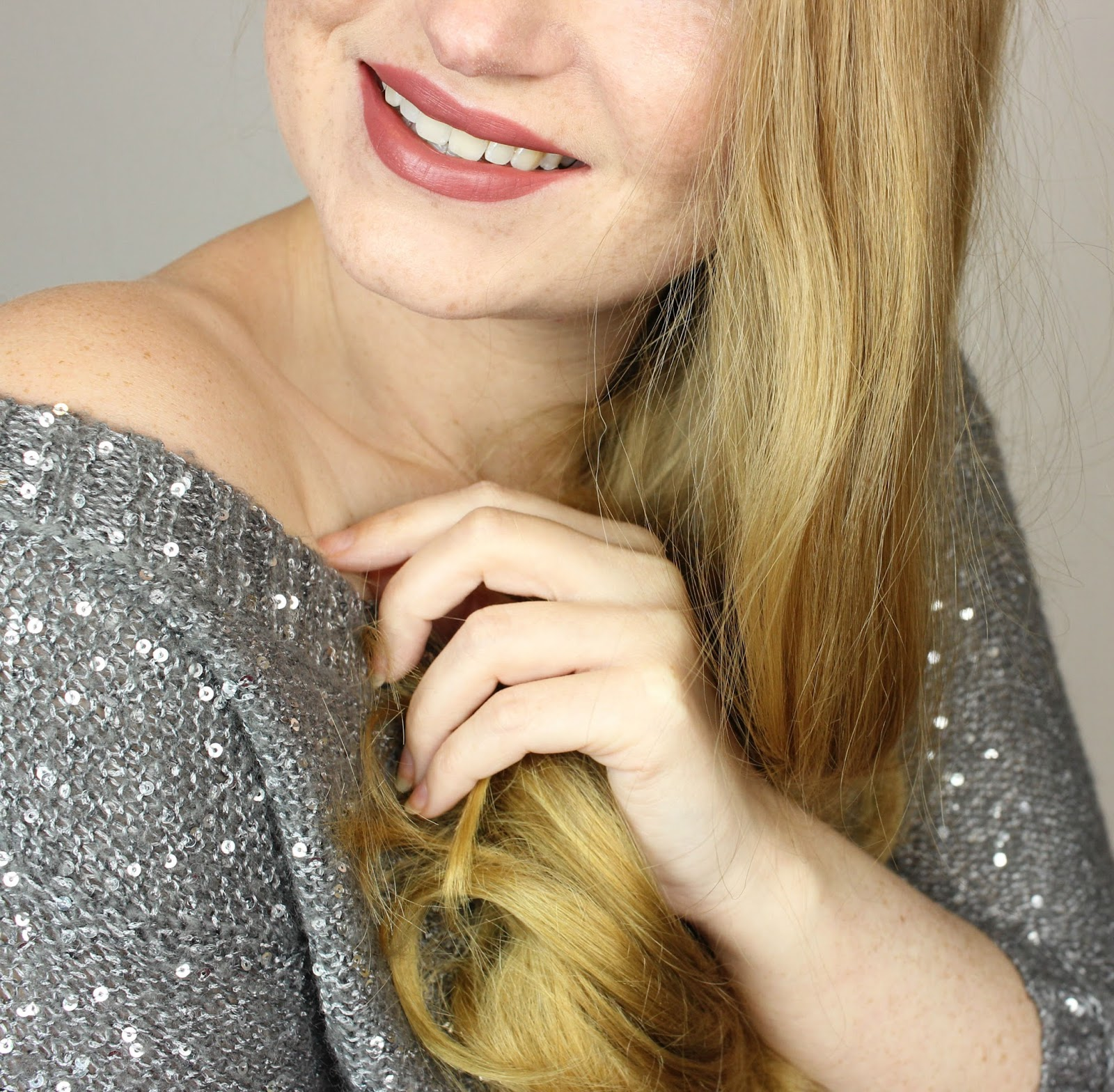 beauty, frisuren für langes haar, Glamouröse Haarträume, glanz, haar glätten, haare stylen, Keramikplatten, locken, Philips, review, silvester, StraightCare Advanced Glätteisen, Wellen, weniger spliss,