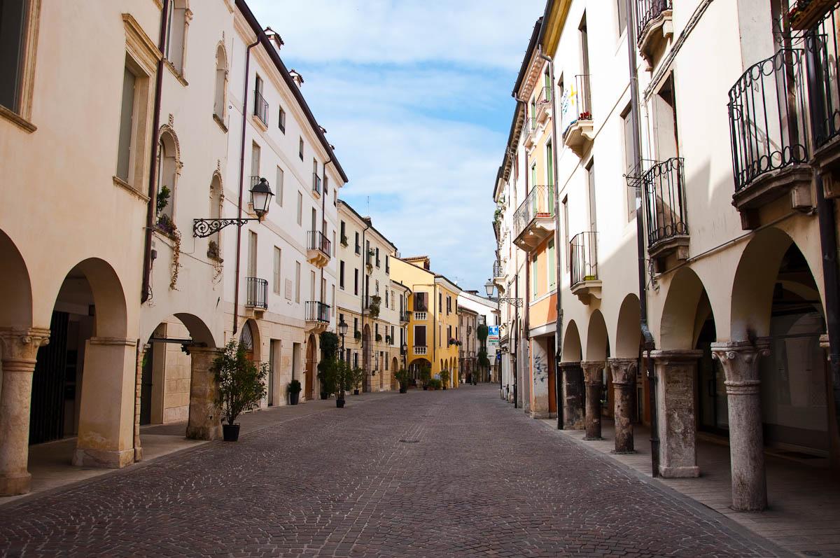Corso Antonio Fogazzaro, Vicenza, Veneto, Italy