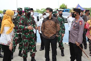 Panglima, Kapolri dan Menkes Tinjau  Rusun Nagrak dan Beberapa Posko PPKM Mikro di Jakarta