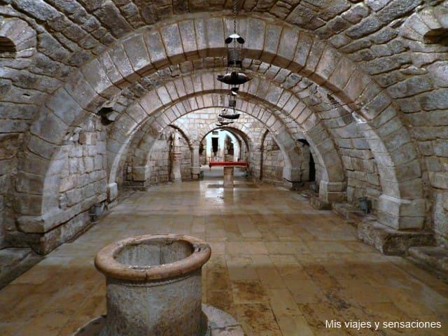 Sala románica, cripta de San Antolín, Catedral de Palencia