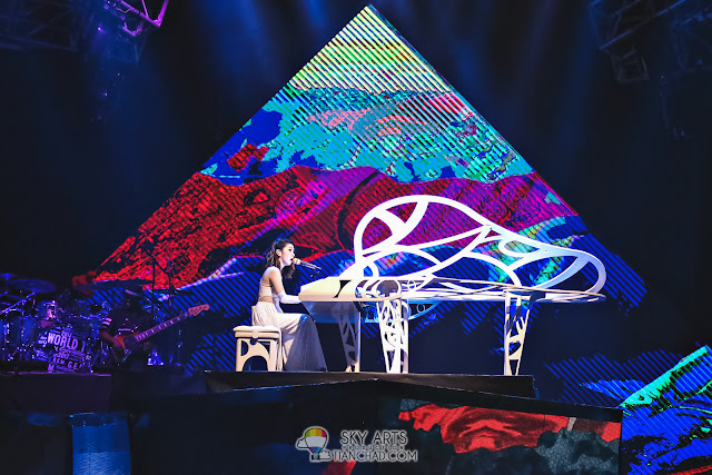 G.E.M.邓紫棋与NameWee黄明志飙歌 《飘向北方》拥抱后还赞她榴莲香 - 世界巡回演唱会《Queen Of Hearts》马来西亚站 Gem Tang Live in KL